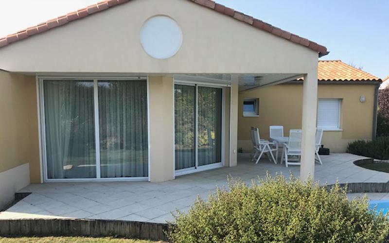 Villa-vendee - Vakantievilla in de Vendée - Les Jardins des Sables d'Olonne - Villa Acacia nr 39 achterkant villa