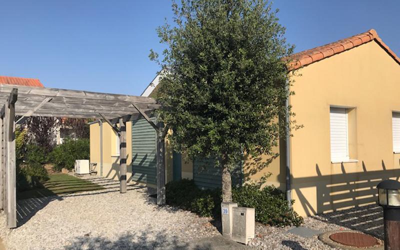 Villa-vendee - Vakantievilla in de Vendée - Les Jardins des Sables d'Olonne - Villa Acacia nr 39 achterkant
