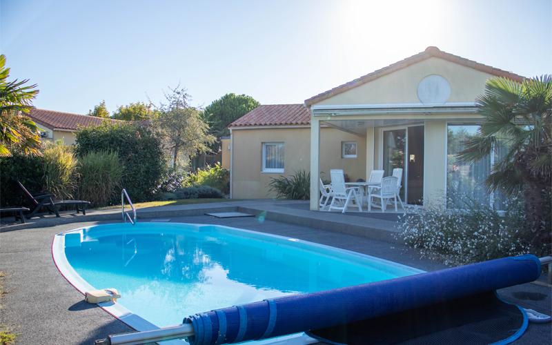 Villa-vendee - Vakantievilla in de Vendée - Les Jardins des Sables d'Olonne - Villa Acacia nr 104 zwembad en terras
